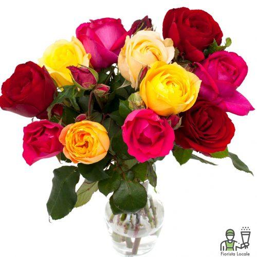 Rose rosse gialle e rosa